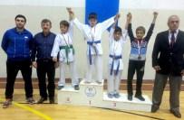NURI CAN - Yalova'da Karate Müsabakaları Nefes Kesti