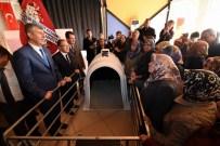 Susurluk'ta 100 Adet Buzağı Kulübesi Dağıtıldı
