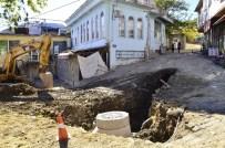 Çüngüş'e Kanalizasyon Şebekesi Döşeniyor