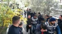 İzmir'de 22 İnsan Taciri Yakalandı