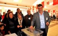 YUSUF FIDAN - Seferihisar CHP'de Mevcut Başkan Güven Tazeledi