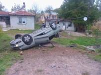 KANDIRA CEZAEVİ - Otomobil Takla Attı Açıklaması 4 Öğrenci Yaralandı