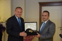 TEŞEKKÜR YEMEĞİ - Başkan Keleş'ten Adalet Komisyonu Başkanına Veda Yemeği