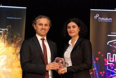 Defacto'nun Başarıları 'Hall Of Fame' İle Ödüllendirildi
