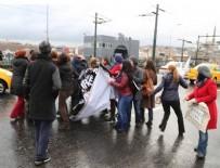 GALATA KÖPRÜSÜ - Eylemcilere müdahale eden vatandaşa şemsiyeli saldırı