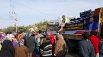 ÖMER TARHAN - Osmaniye'de Rusya'yı Protesto İçin 20 Ton Sebze Meyve Dağıtıldı