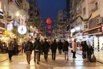 SOKAK SANATÇILARI - İzmir'de Yılbaşı Hareketliliği