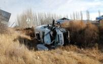 İNLICE - Cenaze Aracı Şarampole Yuvarlandı Açıklaması 1 Ölü, 1 Yaralı