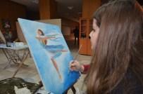 EBRU SANATı - Yüksekovalı Gençler Hem Sanat Öğreniyor Hem De Sınavlara Hazırlanıyor