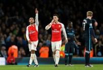 THEO WALCOTT - Arsenal - Manchester Cıty Maçına Mesut Özil Damgası