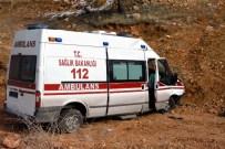 ÜNLÜPıNAR - Kelkit'te Görevden Dönen Ambulans Kaza Yaptı Açıklaması 2 Yaralı