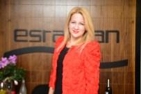 YILBAŞI PARTİSİ - Esra Aran'dan Ofiste Yılbaşı Partisi