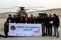 AKROBASİ PİLOTU - Eskişehirli Öğrenciler Uçmanın Heyecanını Yaşadı