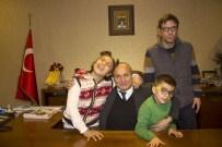 Engelli Aileleri, Hüseyin Arslan'ı Ziyaret Etti