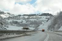 Sinop'ta 118 Köy Yolu Ulaşıma Kapandı