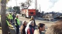 MOBİLYA MAĞAZASI - Başkan Sözlü Yangında Kül Olan Ceyhan Keresteciler Sitesinde İncelemelerde Bulundu