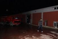 ALIFUATPAŞA - Plastik Fabrikasında Çıkan Yangın Söndürüldü
