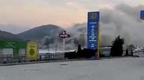 ALIFUATPAŞA - Sakarya'da Plastik Fabrikasında Yangın
