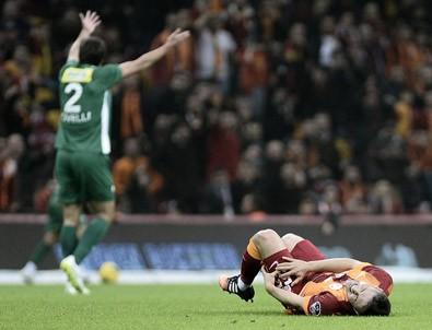 Galatasaray - Bursaspor! İkinci gol ilk yarı biterken geldi