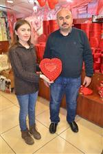 KLASİK ARABA - Esnaftan 14 Şubat Sevgililer Günü Hazırlığı