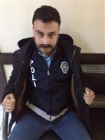 SAHTE BİLEZİK - Sahte Polis Yakayı Ele Verdi.
