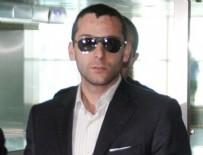AHMET OZAN - Onur Özbizerdik bu kez tesbih sallıyor diye vurdu