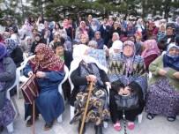 Öğrenciler Çocuk Bayramını Yaşlılarla Kutladı