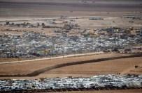 İNSAN GÖÇÜ - Türkiye Sınırındaki Suriye Plakalı Araçlar Tahliye Edildi