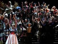 ZORLU GAYRIMENKUL - 'Operadaki Hayalet'in Maskeleri Sevgi Evleri'ne Kaynak Oldu