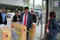 OSMAN BOYRAZ - AK Parti Milletvekili Adayı Kıtaları Metrobüsle Aştı