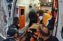 TEKEL BAYİSİ - İki Esnaf Komşu Arasında Silahlı Çatışma Açıklaması 3 Yaralı