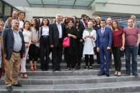 BAHAR ÖZTAN - Yeşilçam'ın Efsane Aktörleri İmza Dağıttı