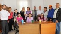 BARIŞ MANÇO - Burhaniye'de Engellilere Siyasetçi Ziyareti