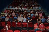 EZGİ MOLA - Manavgat'ta Engelli Öğrencilere Polisten Sinema Sürprizi