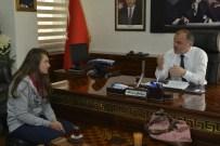 İŞİTME CİHAZI - Başkan Gürlesin, İşitme Engelli Fatma'ya İşitme Cihazı Aldı