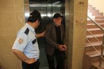 MAHSUR KALDI - Yaşlı Adam Asansörde Mahsur Kaldı