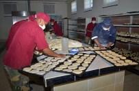 LA PAZ - Bolivya'da Askerler Fırında Ekmek Pişirdi