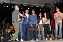 LEVENT YÜKSEL - Aliağalılar 19 Mayıs'ı Levent Yüksel Konseriyle Kutladı