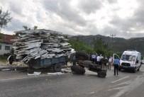 Isparta'da Otomobil İle Traktör Çarpıştı Açıklaması 7 Yaralı