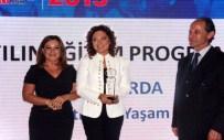 İSMAIL HAKKı KARADAYı - 'Eğitimde Başarı Ödülleri' Sahiplerini Buldu