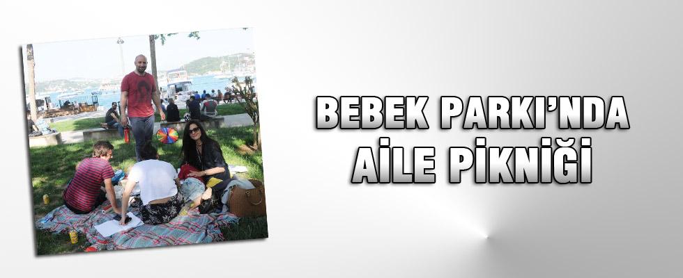 Halit Ergenç ve ailesi Bebek'te piknik yaptı