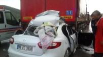 Erzincan'da Trafik Kazası Açıklaması 1 Ölü, 2 Yaralı
