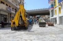 DAVUTLAR - Kuşadası'nda İkiçeşmelik Ve Türkmen Mahallelerine Parke Taşı Döşeniyor