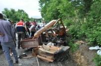 Traktörle Tanker Çarpıştı Açıklaması 3 Ölü