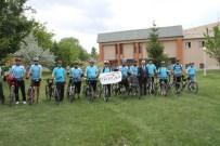 Başkan Başsoy Bisikletlileri Kemah'a Uğurladı