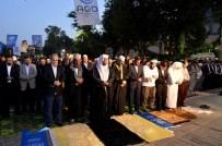 SALİH TURHAN - Ayasofya Meydanı'nda Sabah Namazı