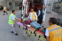 Tarım İşçilerini Taşıyan Kamyonet Otomobille Çarpıştı Açıklaması 10 Yaralı