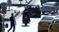 ÇUKURAMBAR - Taksiciler Döner Bıçaklarıyla Birbirine Girdi Açıklaması 4 Yaralı