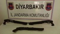 Jandarma Taş Yığınları Arasında 3 Adet Otomatik Av Tüfeği Ele Geçirdi