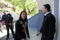 Kadın Vekil Adayından Polislere Teşekkür Ziyareti